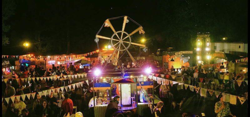 Une grande roue de la fête à toto