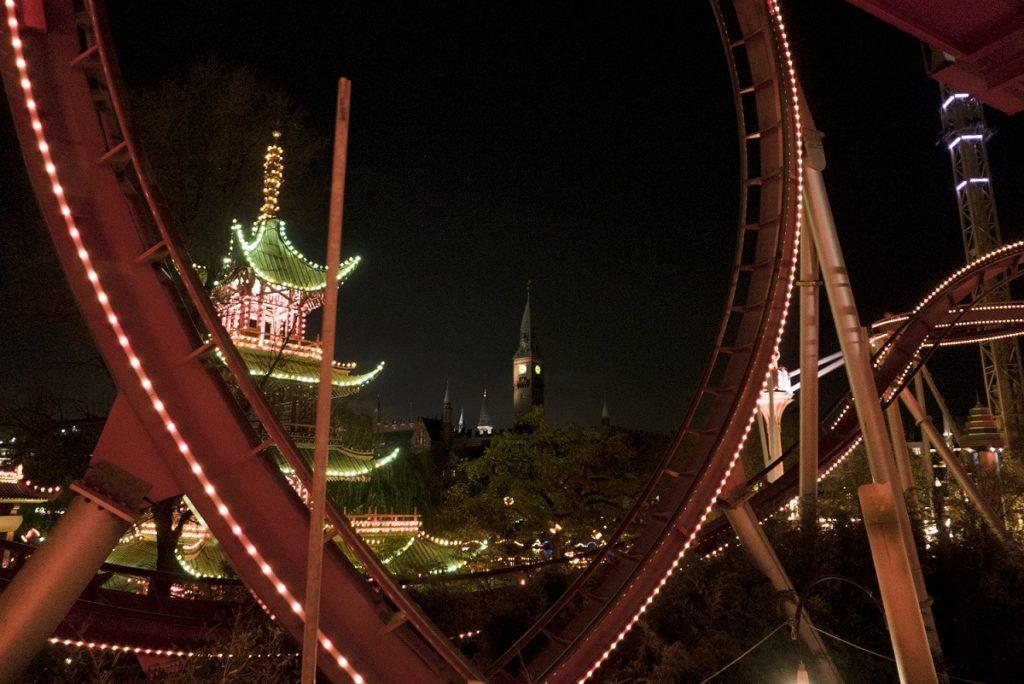 Manège de Tivoli de nuit