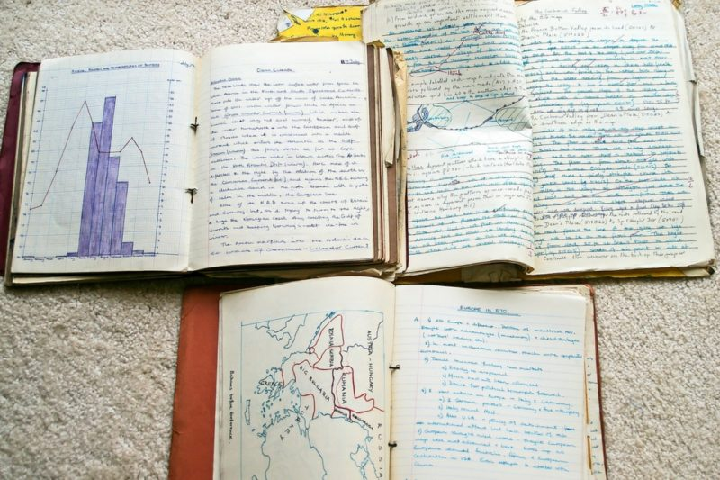 Des cahiers d'écoliers