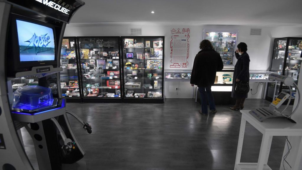 Une salle de conservation de consoles de jeux