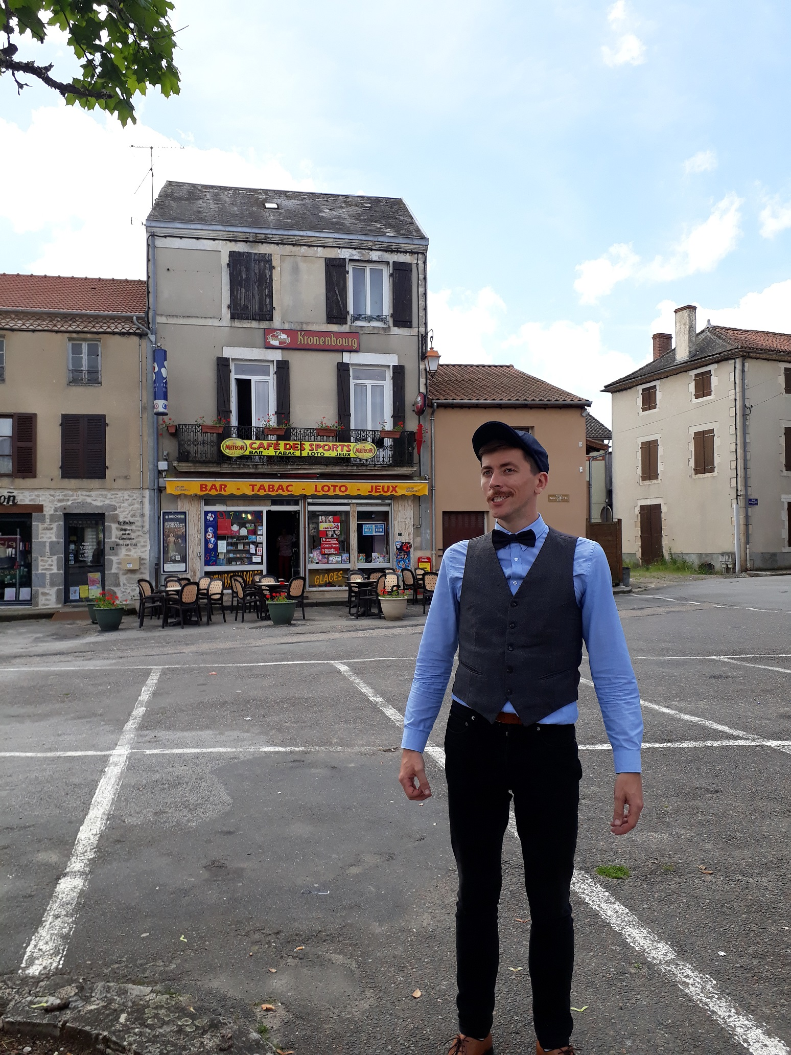 Un bar de village